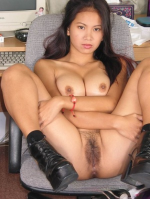 Nackt girl sexy thai Young girls